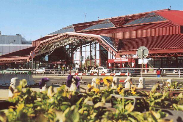 Tak wyglądała część terminalu przed remontem Dariusz Kłosiński / Lotnisko Chopina