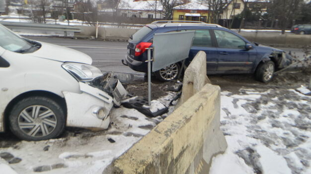 """Kolizja na Przyczółkowej. """"Kierowca renault miał 3,2 promila"""""""