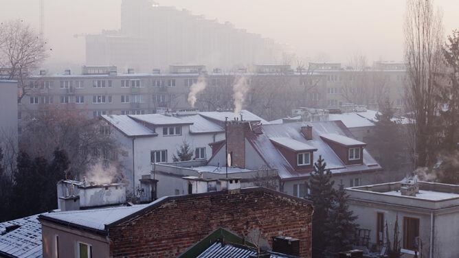 """Smog straszy. """"Są w nim związki, których działania jeszcze nie znamy"""""""
